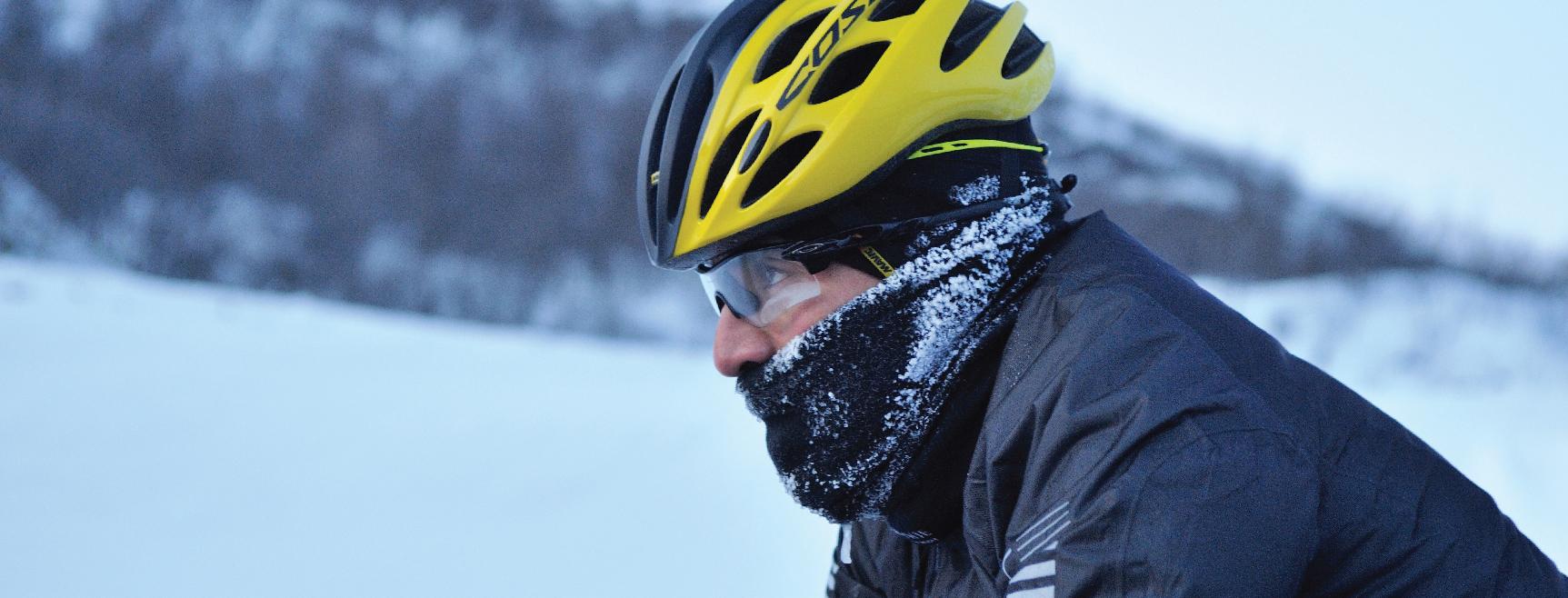 Attrezzatura da ultracycling in inverno orologio Suunto Spartan