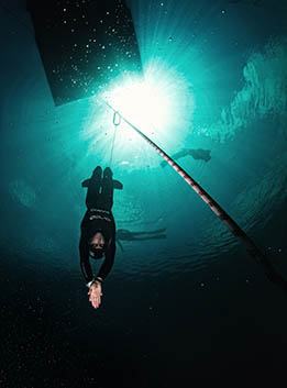 William Trubridge, Dean's Blue Hole. Photo: Agustin Munoz.