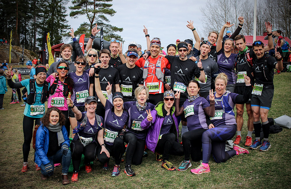 Summiteers celebrating at the finish of Bodom Trail