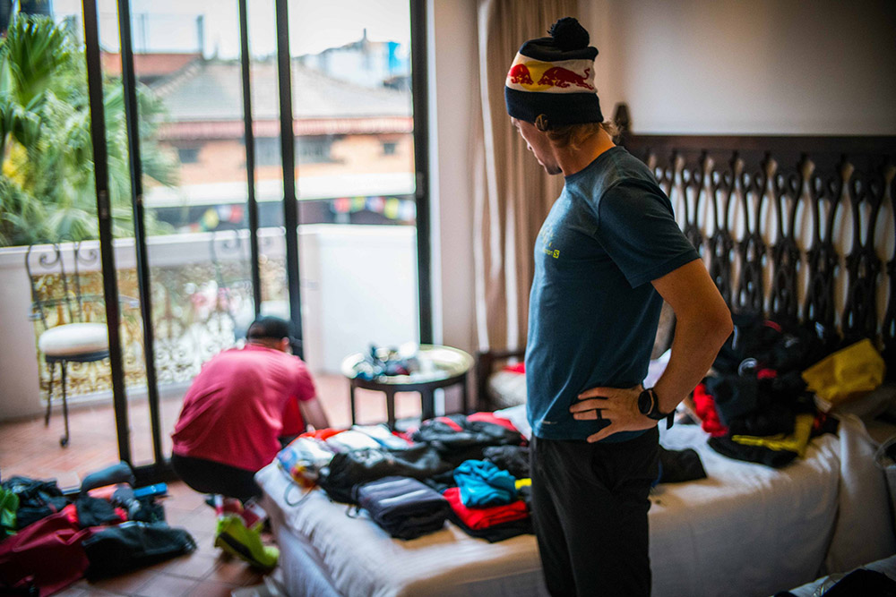 Final preparations and logistics. (©Dean Leslie, Red Bull Content Pool)