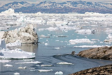 Under thin ice: Jill Heinerth captures climate change