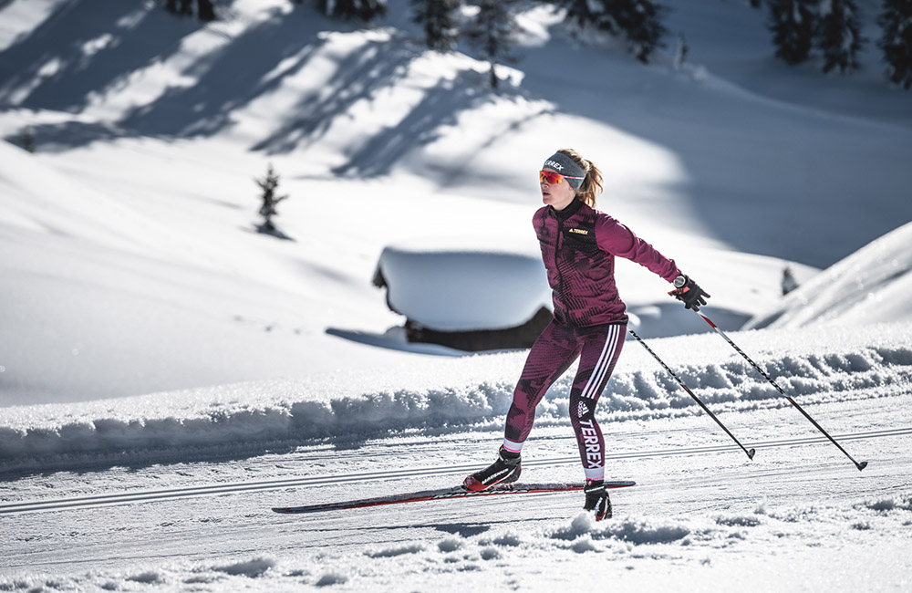 Pair your watch with a Suunto Smart heart rate belt for cross-country skiing (©Daniel Hug / @terragraphy)
